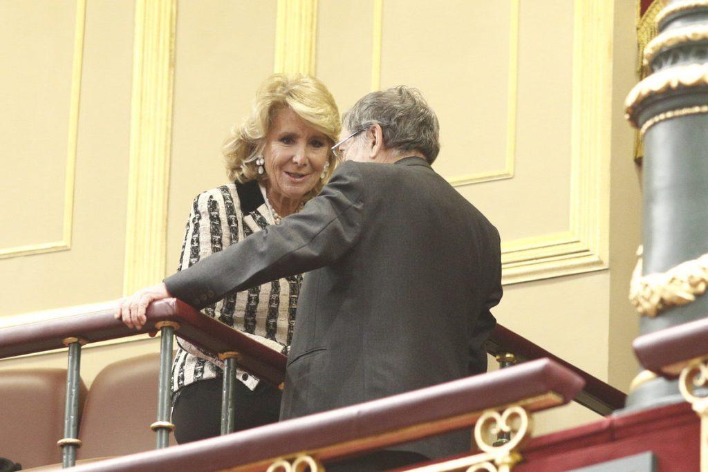 Aguirre cree que ahora no se puede reformar la Constitución, con «un golpe de Estado como el que sufre Cataluña»