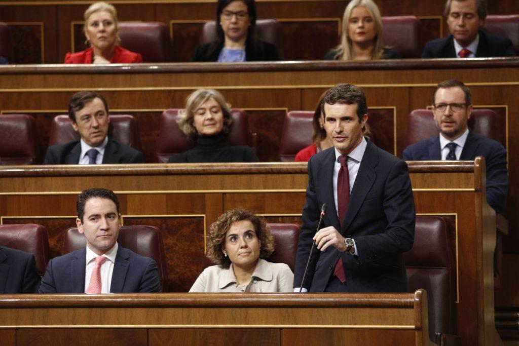 Casado rechaza «abrir en canal» la Constitución, la «mejor vacuna contra radicalismo, populismo y nacionalismo»