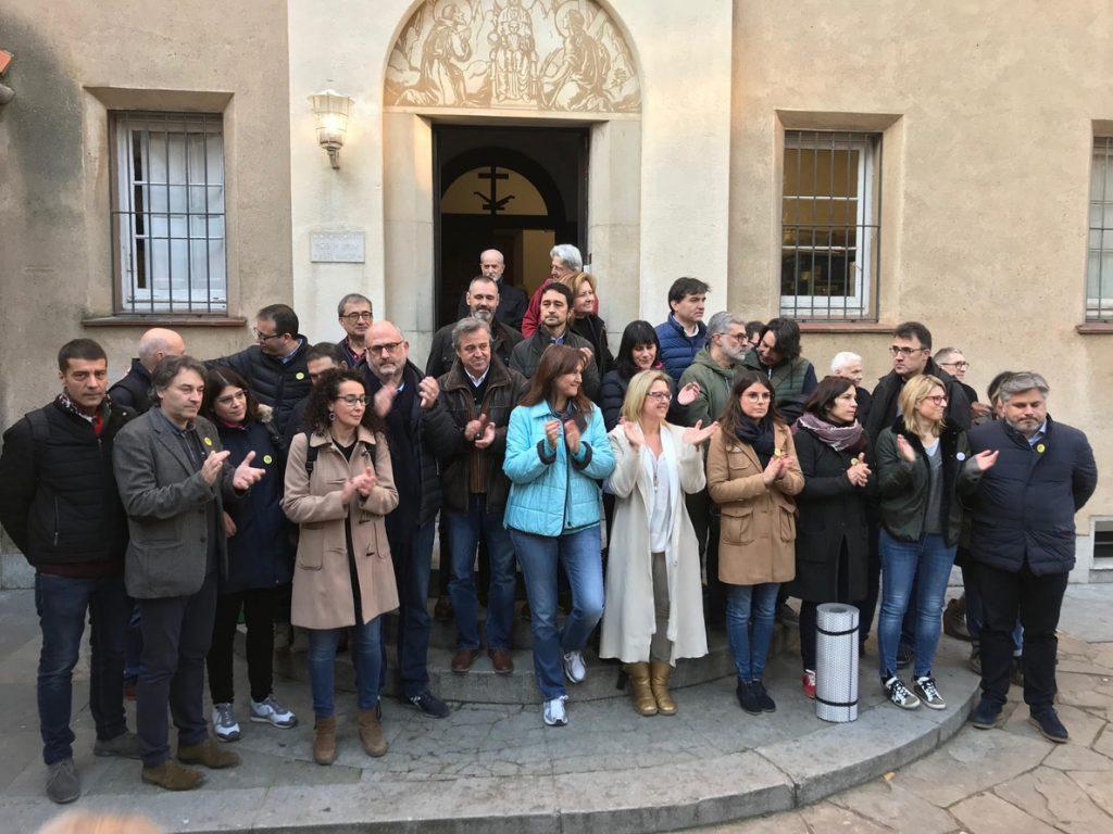 Diputados de JxCat, ERC y la CUP llegan a los Caputxins de Sarrià para ayunar por los presos