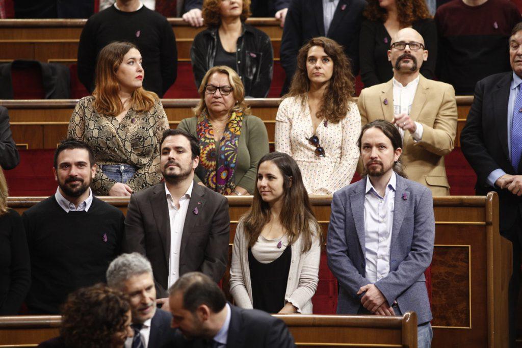 Pablo Iglesias critica el discurso «decepcionante» del Rey y rechaza la ovación «sobreactuada» a Juan Carlos I