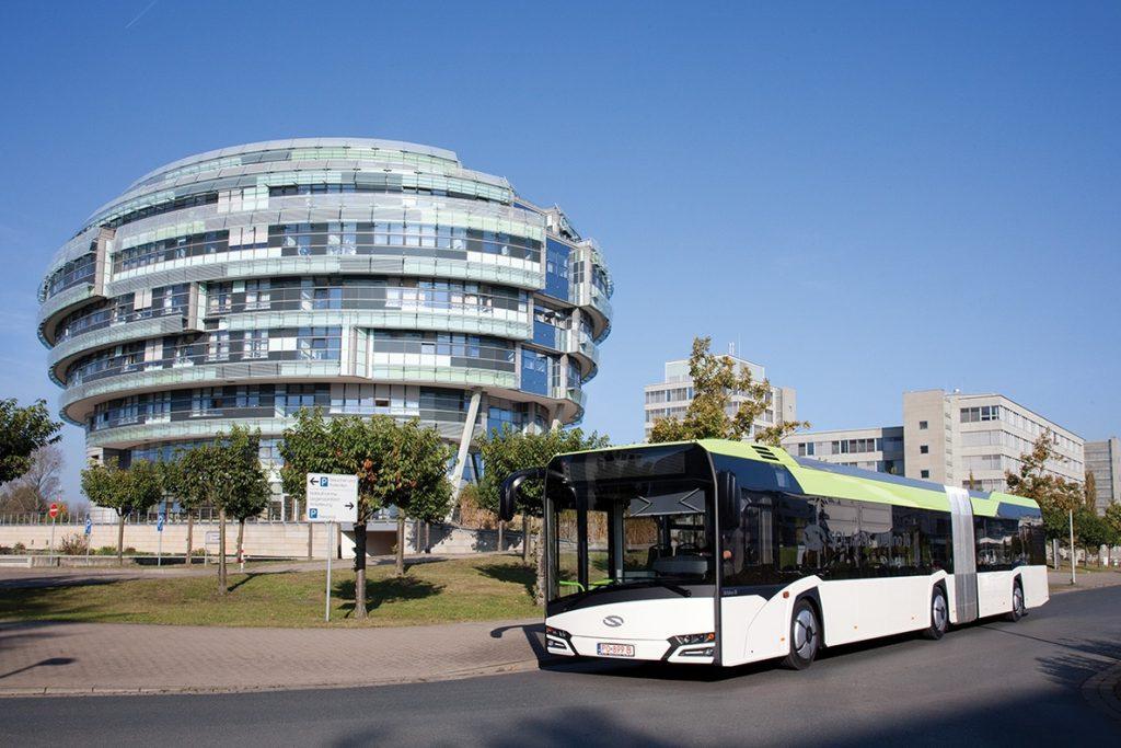 CAF logra contratos de trenes y autobuses por 225 millones