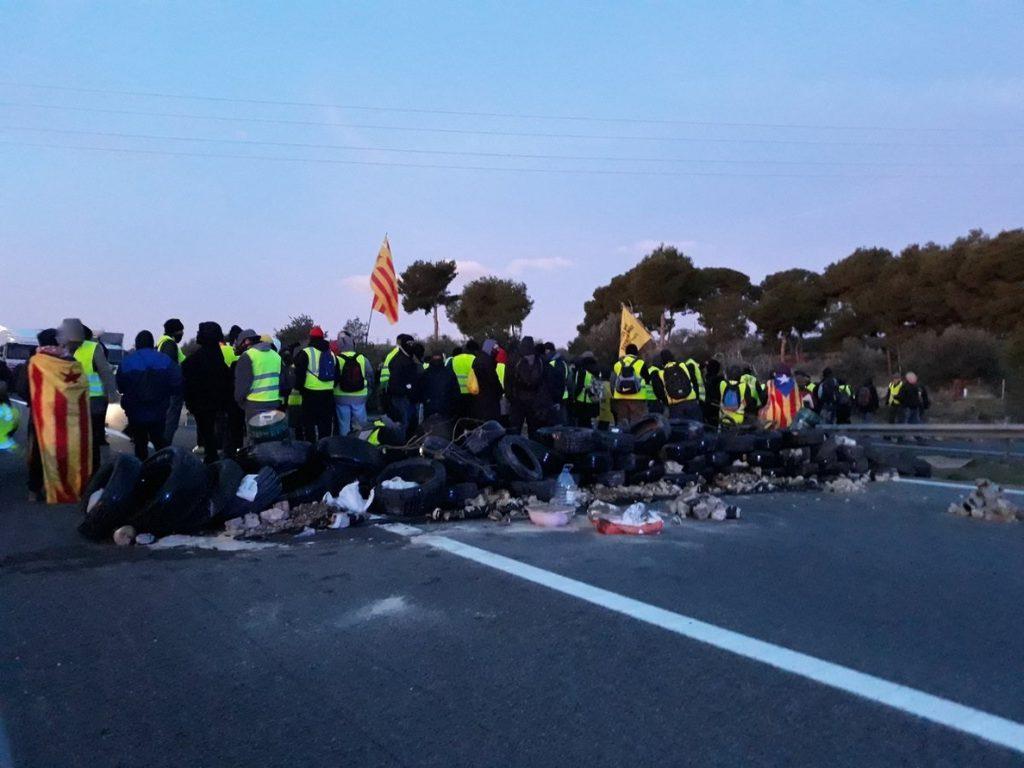 Casado ruega a Sánchez que aplique un nuevo 155 porque Cataluña está «batasunizada» y es «un campo de batalla»