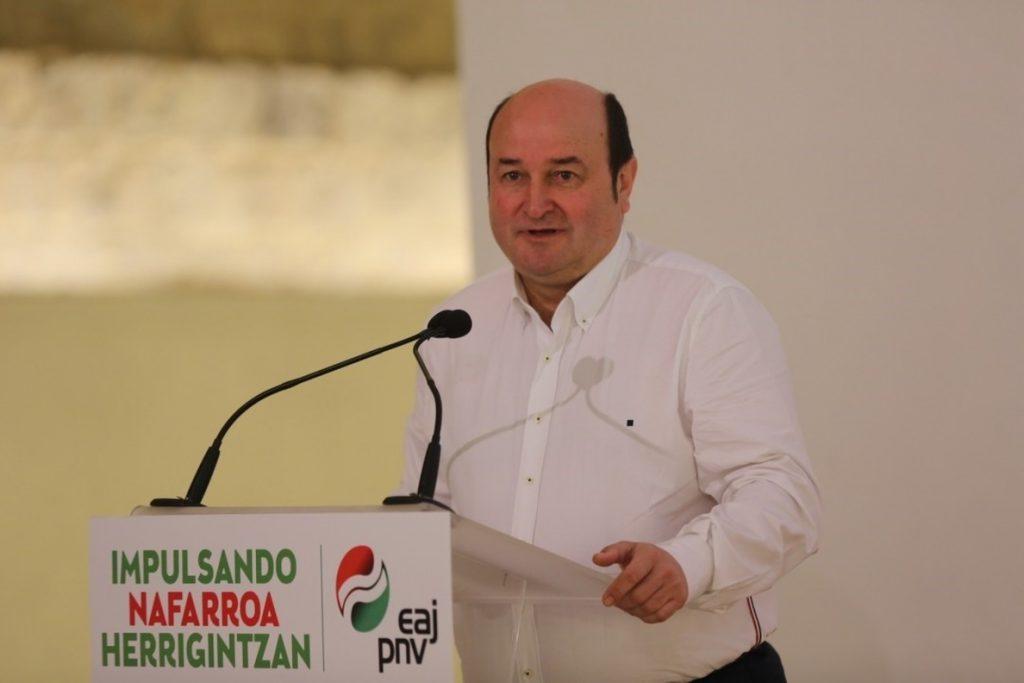 Ortuzar dice que el PNV no pactaría con Vox porque quiere «cargarse» el sistema y Bildu «es ya parte de él»