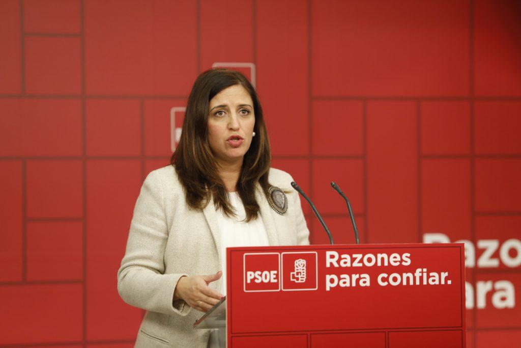 El PSOE tilda de «interesante» la pancarta de Greenpeace que pide a Sánchez parar la venta de armas a Arabia Saudí