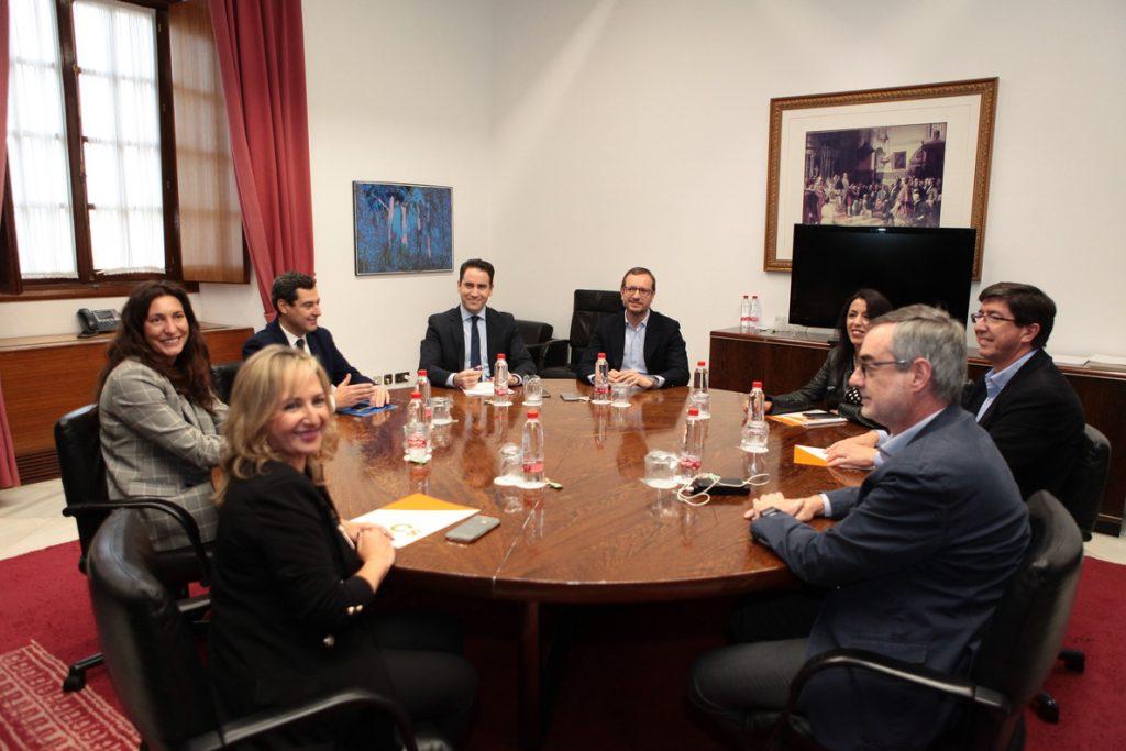 Arranca en Sevilla la reunión entre PP y Cs para negociar un posible acuerdo de gobierno tras el 2D