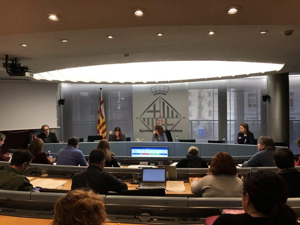 El Ayuntamiento de Barcelona apoya la huelga de hambre de los independentistas presos