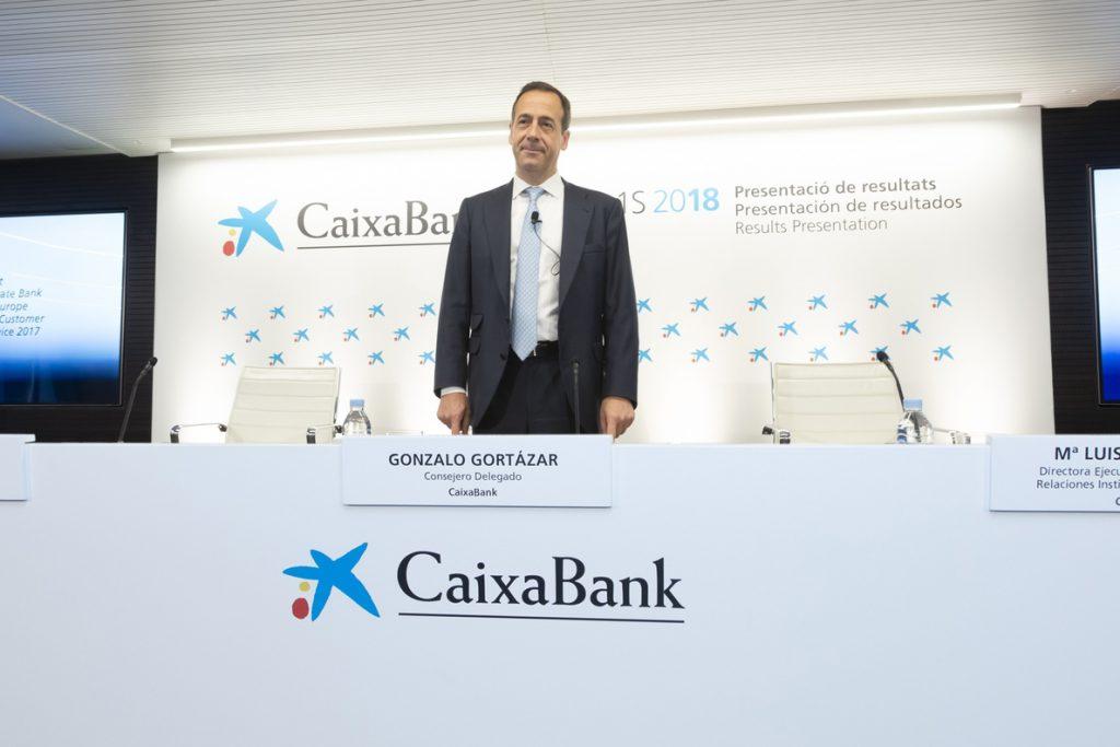 Gortázar (CaixaBank) advierte de que las fusiones bancarias pueden ser un «freno o un aliciente»