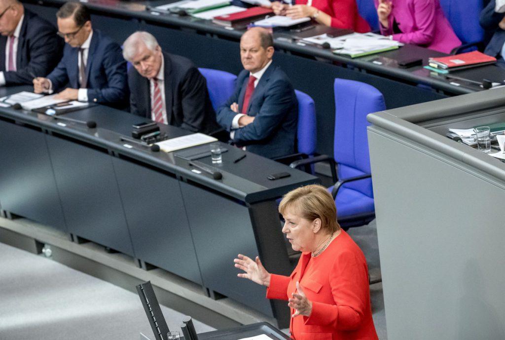 Merkel recalca: «No tenemos intención de modificar el acuerdo del Brexit»