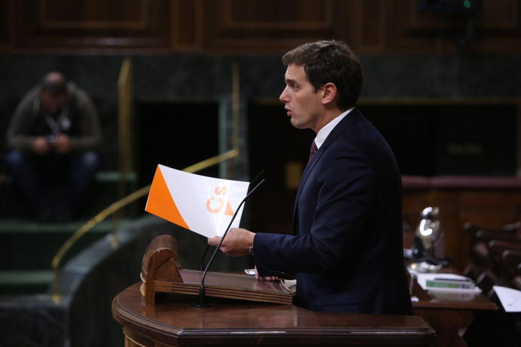 Rivera afea a Sánchez que le valga la respuesta de Torra y le avisa de que en Cataluña podría haber «muertos»