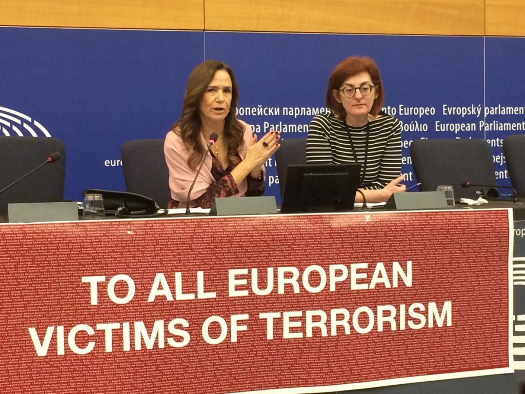 La eurodiputada Jiménez-Becerrill demanda medidas específicas a favor de las víctimas de los atentados terroristas