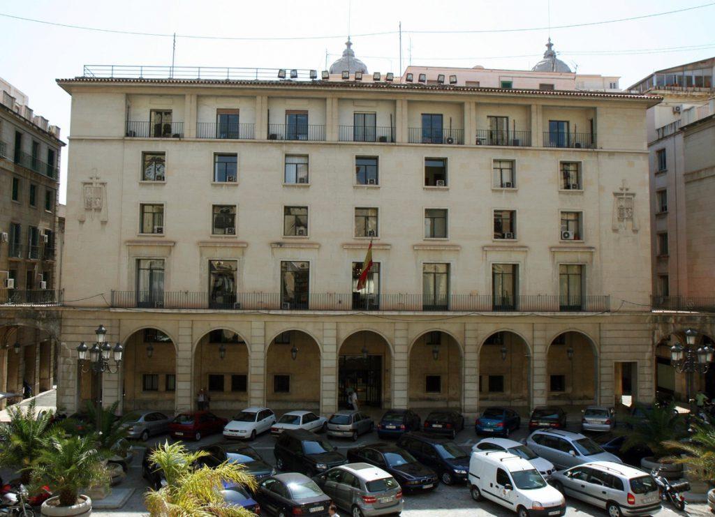 Cuatro magistrados de la Audiencia de Alicante piden abstenerse del juicio en la causa del supuesto amaño del PGOU