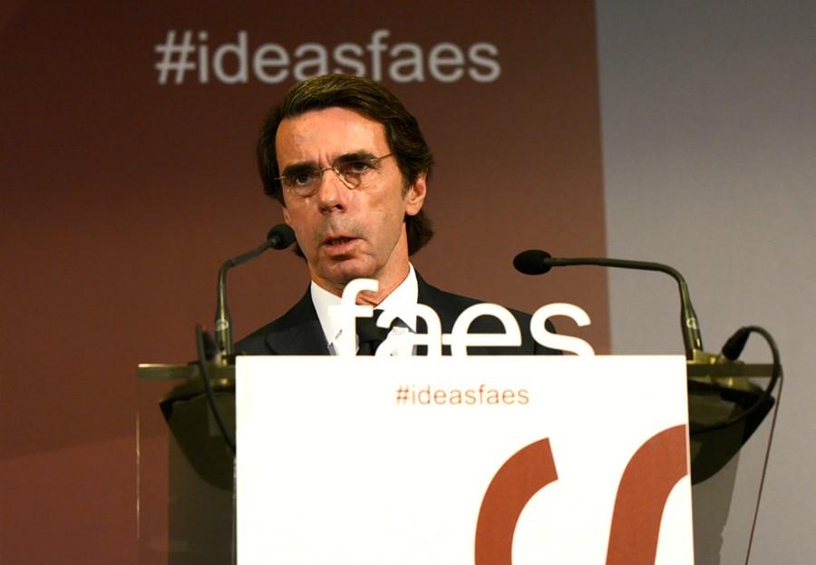 Aznar aboga por una intervención «sin límites en el tiempo» en Cataluña para restablecer el orden constitucional
