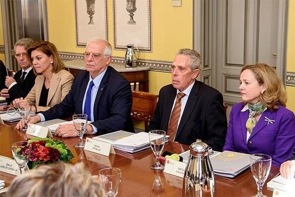 Cospedal se incorpora al patronato del Real Instituto Elcano como representante del PP
