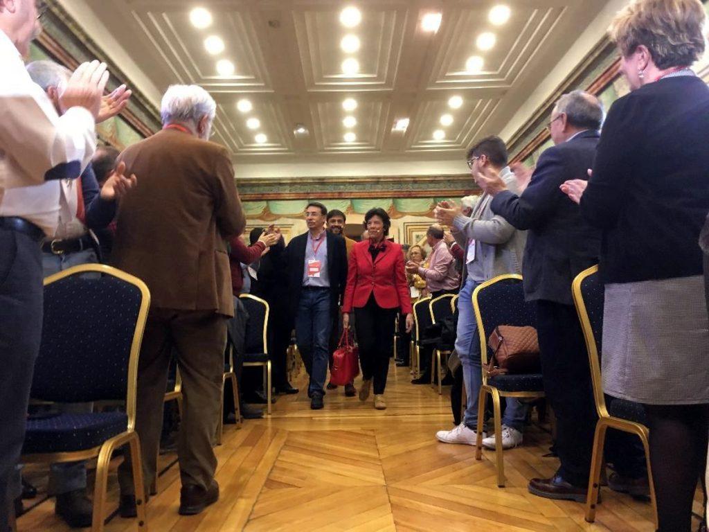 Celaá asegura que la reforma educativa «garantiza» la enseñanza en castellano