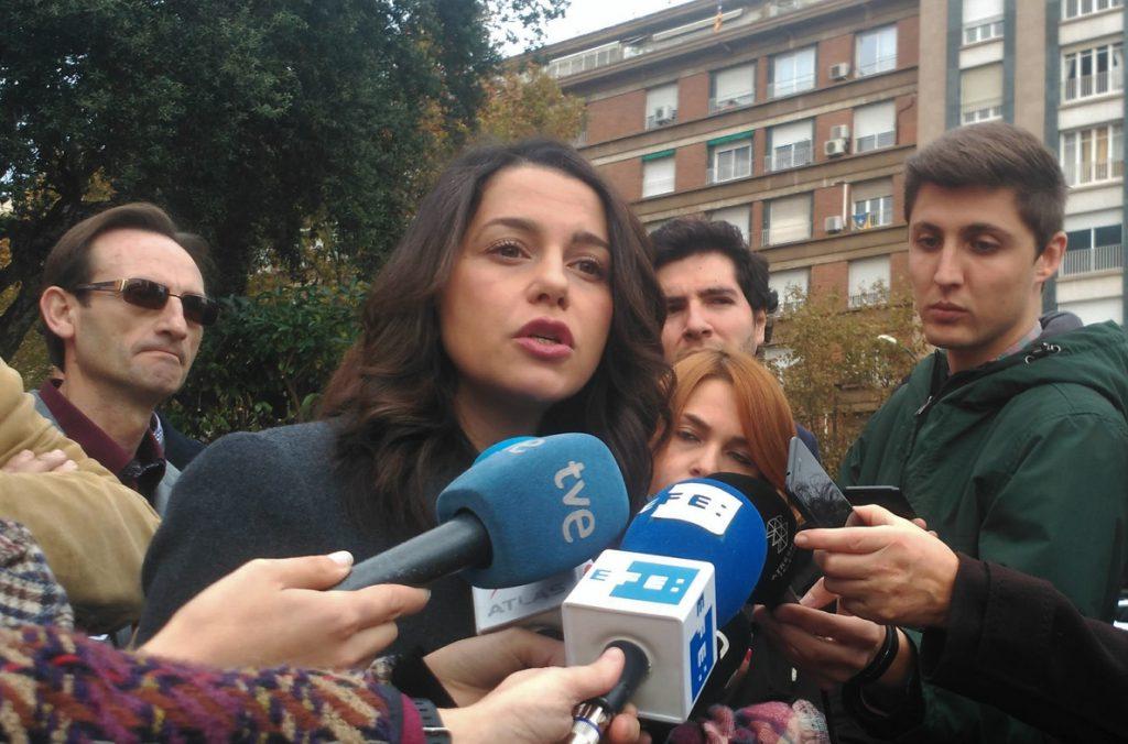 Arrimadas (Cs) pide protección a Sánchez el 21D porque «los CDR tienen la protección del Govern»