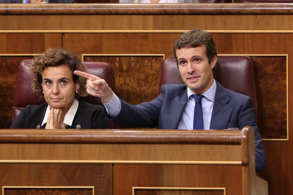 Casado cierra el año preguntando a Sánchez por Cataluña y marcará el camino para que el PP abra el curso en el Congreso