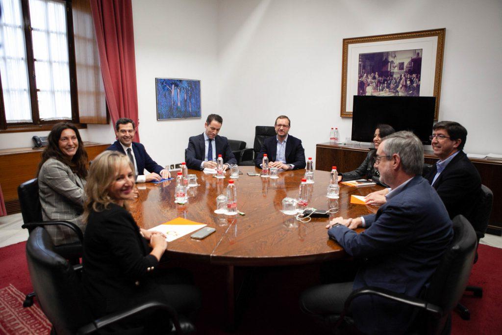 PP y Cs celebran mañana una segunda reunión para cerrar un programa previo a negociar el Gobierno en Andalucía