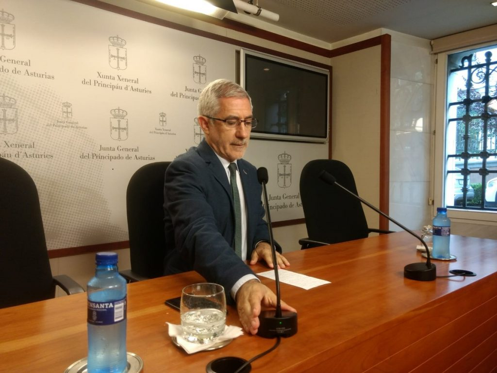 Llamazares acusa a IU de una «caza de brujas» para tapar «el fracaso de la confluencia con Podemos»