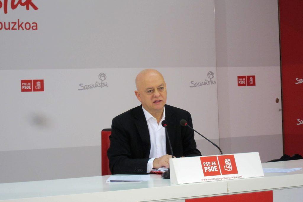 Elorza (PSOE) lamenta la «carrera de obstáculos» que está suponiendo la exhumación de Franco