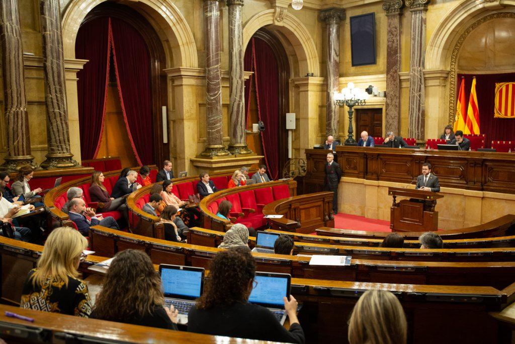 El Parlament catalán rechaza «cualquier intento de instrumentalizar» a los Mossos