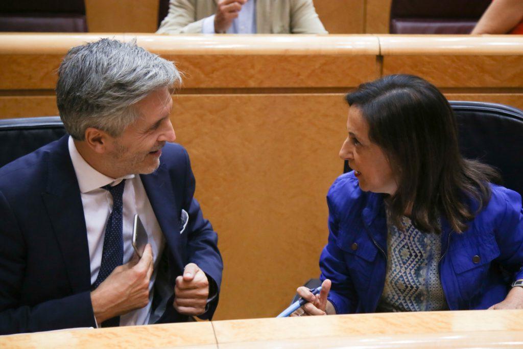 Robles mantiene que Torra está deslegitimado para cargos públicos y el PP pregunta por qué buscan entonces el diálogo