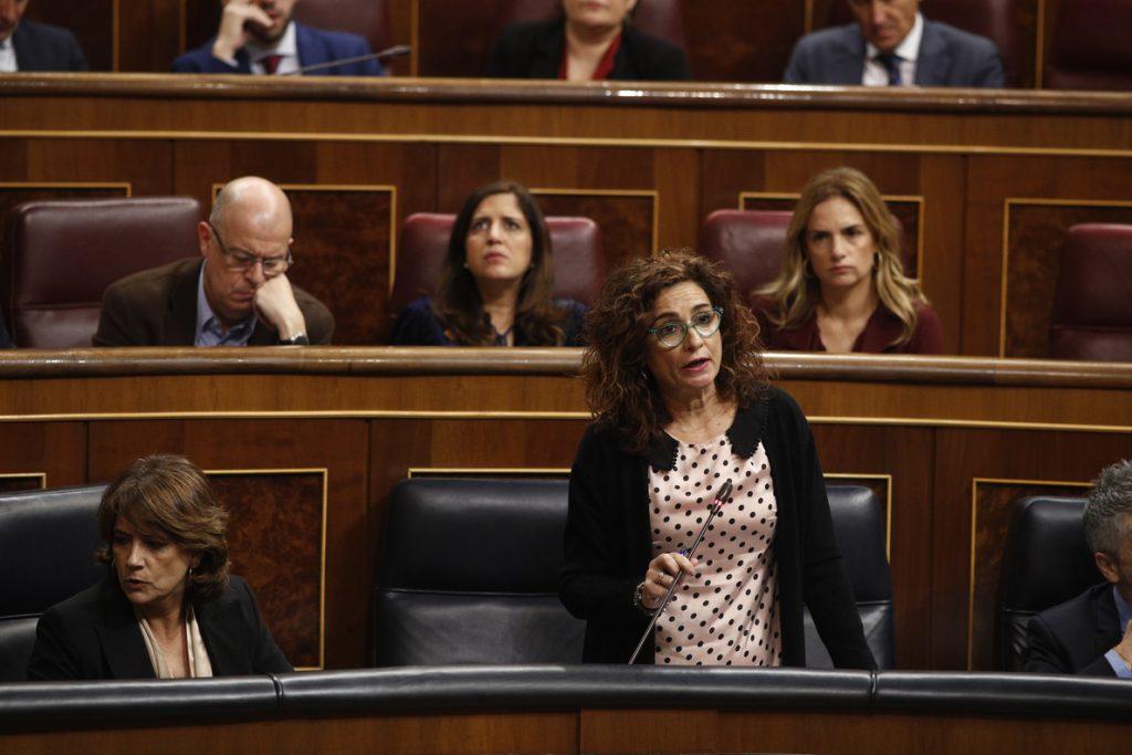 Montero apela «al último minuto» para que PP y Cs apoyen la senda de déficit del Gobierno