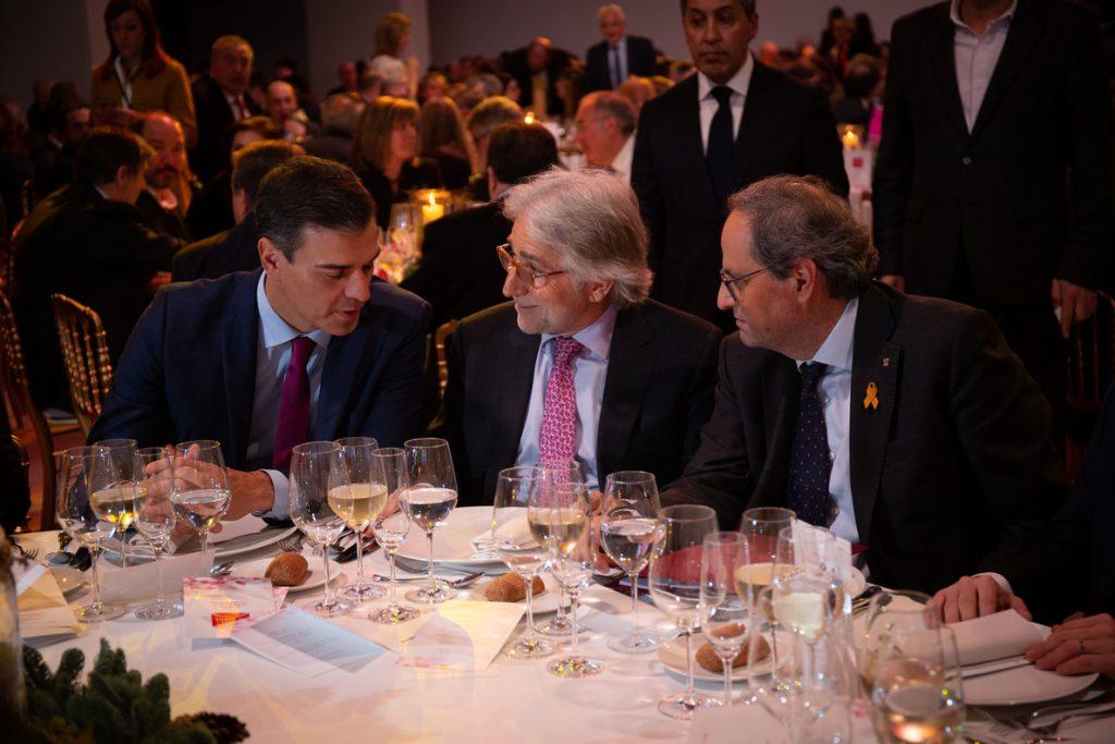 Quim Torra y Pedro Sánchez comparten mesa en la cena de Fomento del Trabajo