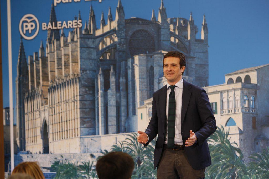 Casado defiende que Baleares no es «anexo» de los 'Països Catalans' «ni de ninguna entelequia absurda e imposible»