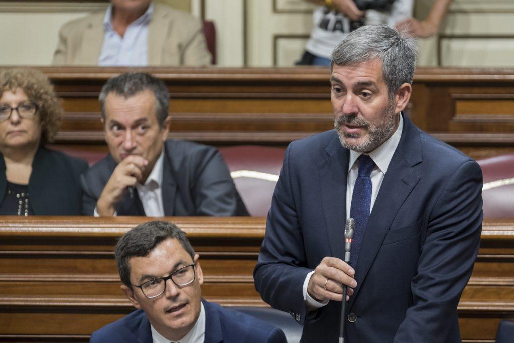 Clavijo no acudirá mañana a la firma del convenio de carreteras Canarias-Estado por no incluir el acuerdo extrajudicial