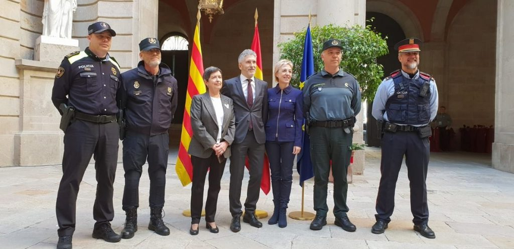 Marlaska agradece a Policía, Guardia Civil, Mossos y Guardia Urbana su «gran trabajo» durante el Consejo de Ministros