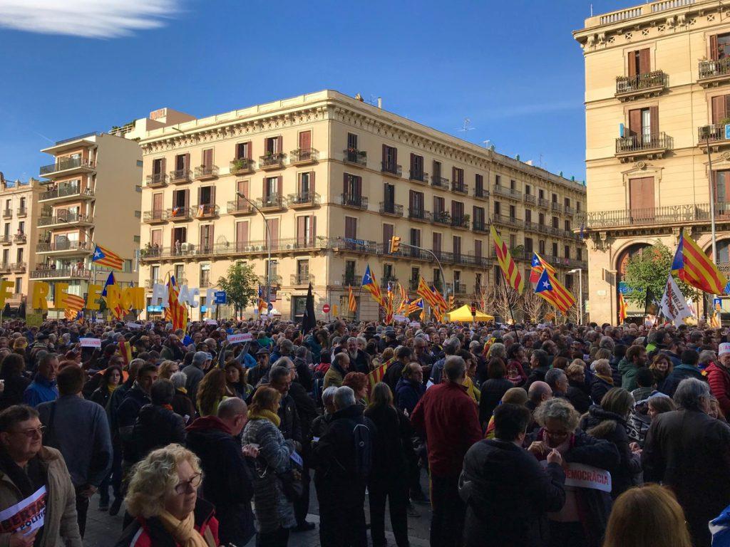 Pedro Sánchez sale de la Llotja de Mar tras acabar el Consejo de Ministros