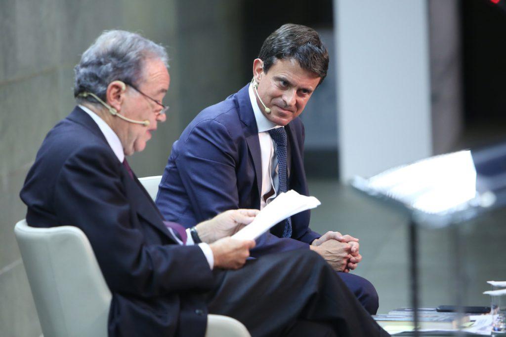 Valls dice al Gobierno que el diálogo no puede darse fuera del marco constitucional ni dando «impresión de debilidad»