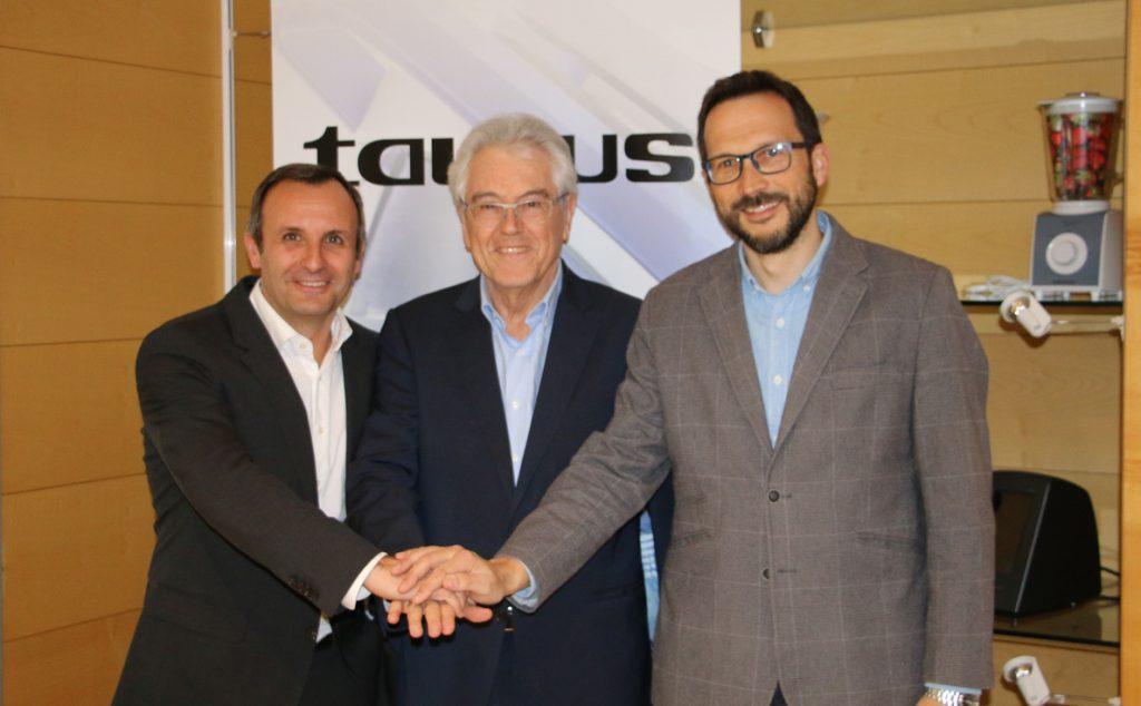 Los directores generales de Taurus adquieren el grupo