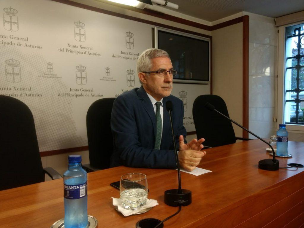 Llamazares dimite de sus cargos en Izquierda Unida mientras denuncia un «linchamiento»