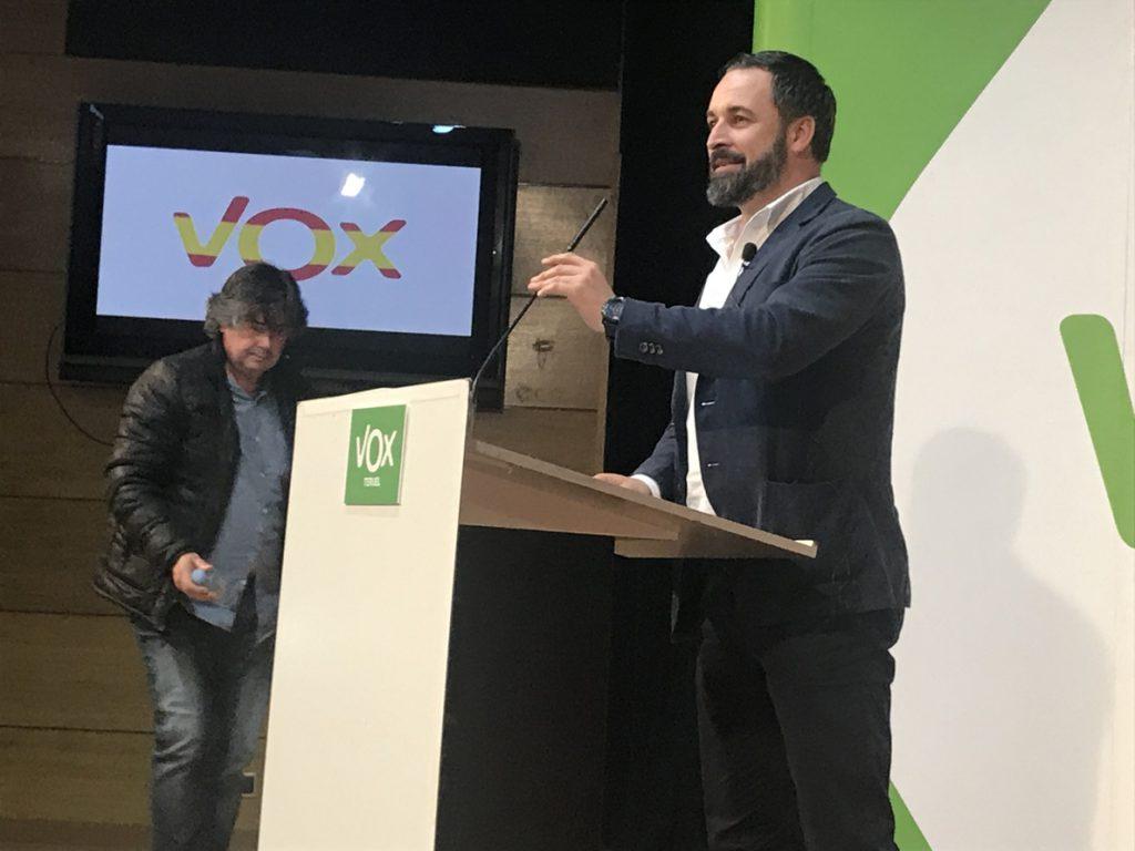 Abascal avisa de que con la reunión de Cs y Adelante Andalucía «no se va a construir una mayoría alternativa»