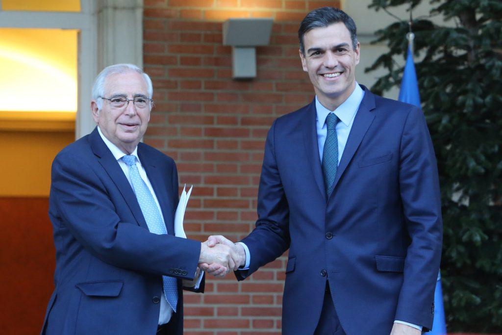Imbroda advierte que la «va a liar» si los 300 millones del Puerto de Melilla van para Cataluña