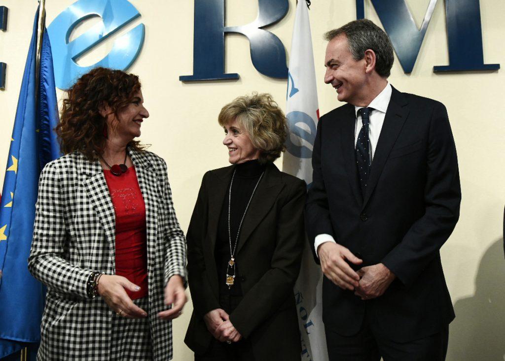 Montero no ve factible la bajada de impuestos pactada en Andalucía por el estado de las cuentas