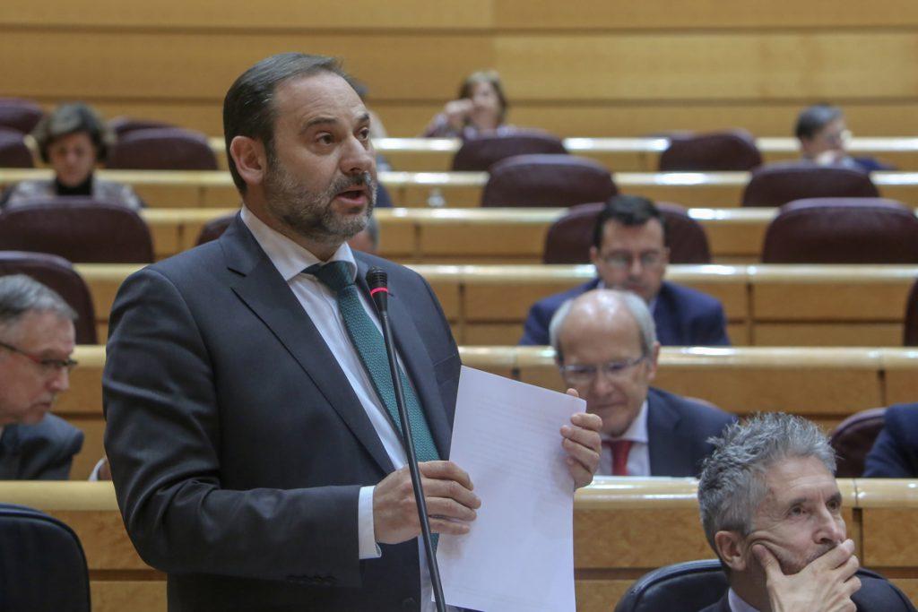 Ábalos avisa a PP y Ciudadanos de que «pasarán a la historia» por «abrir la puerta a la ultraderecha» en Andalucía