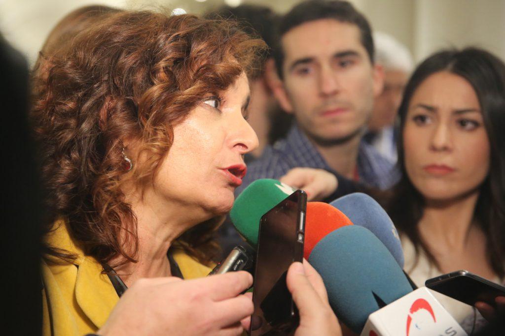 Montero critica que PP «impide recuperar derechos» y espera el apoyo de formaciones nacionalistas a los PGE