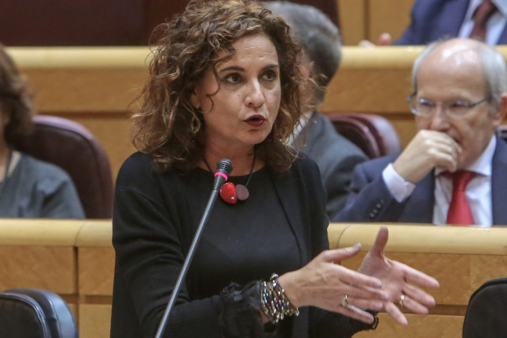 Montero dice que la constitución del Parlamento andaluz «es un día complicado para los demócratas» por la entrada de Vox