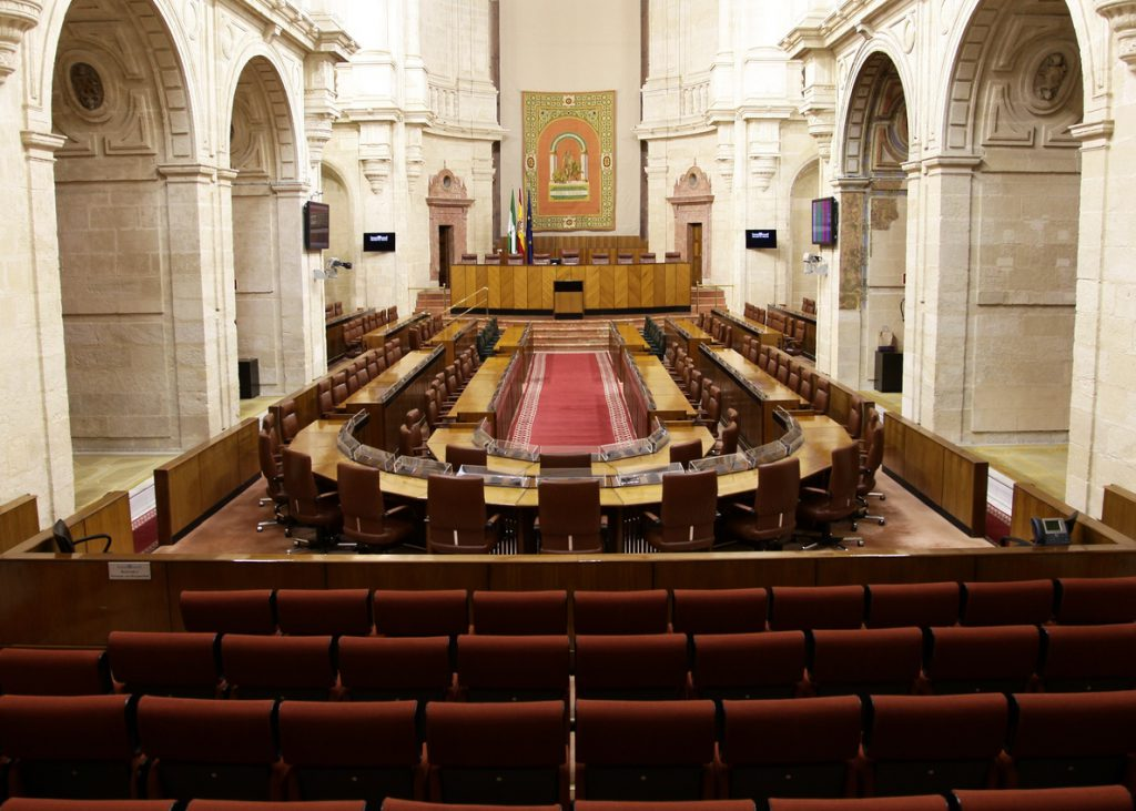 Ciudadanos presidirá el Parlamento andaluz con la entrada de Vox en la mesa