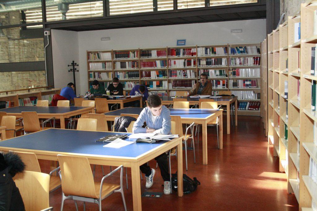 El Gobierno autoriza 59 títulos de Grado, Máster y Doctor en distintas universidades españolas