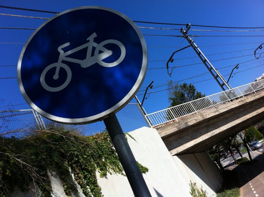 Las bicicletas no podrán circular por la acera a partir del martes en Barcelona