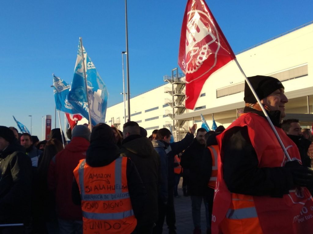 Los pedidos de Amazon para Reyes peligran tras mantener los sindicatos los paros de hoy y el 3 de enero