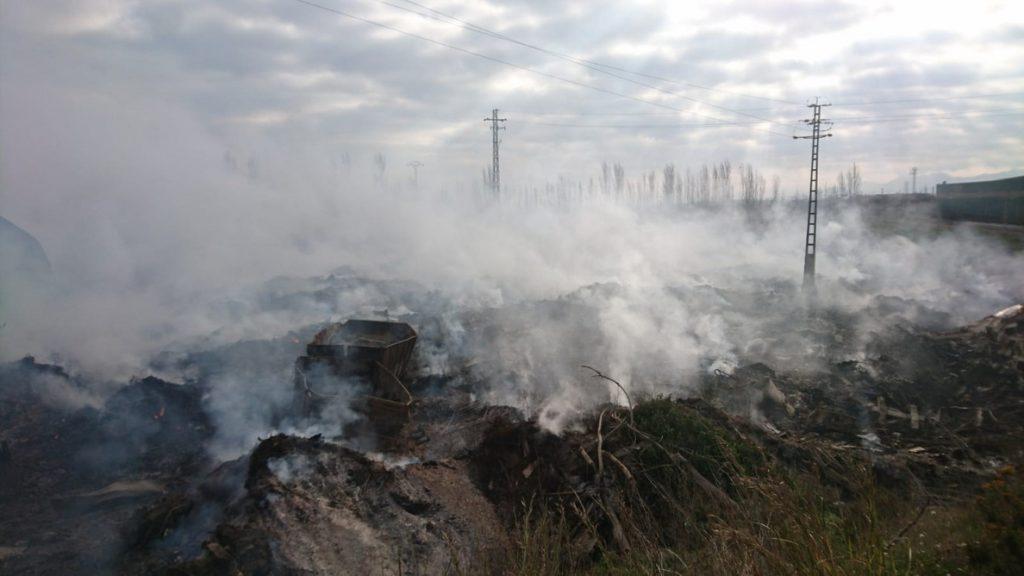 El PP pregunta si hay medidas previstas para que las cenizas del incendio de Sollana no causen más daño medioambiental