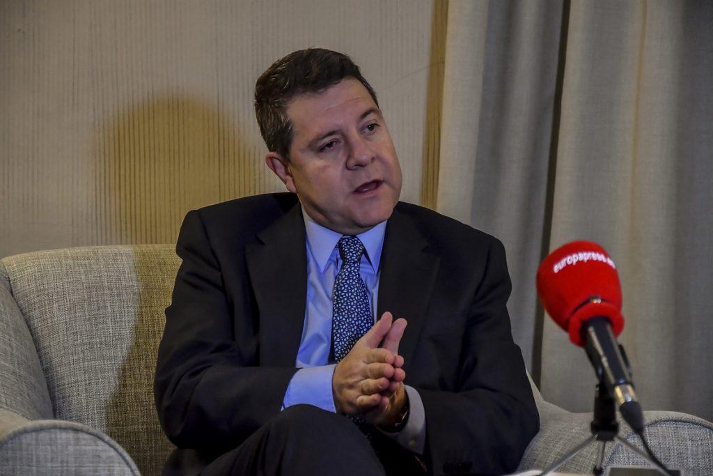 Page dice que militancia de PSOE-A es quien decide su futuro: «Sólo faltaría que decidiera el PSC. Ni duques ni barones»