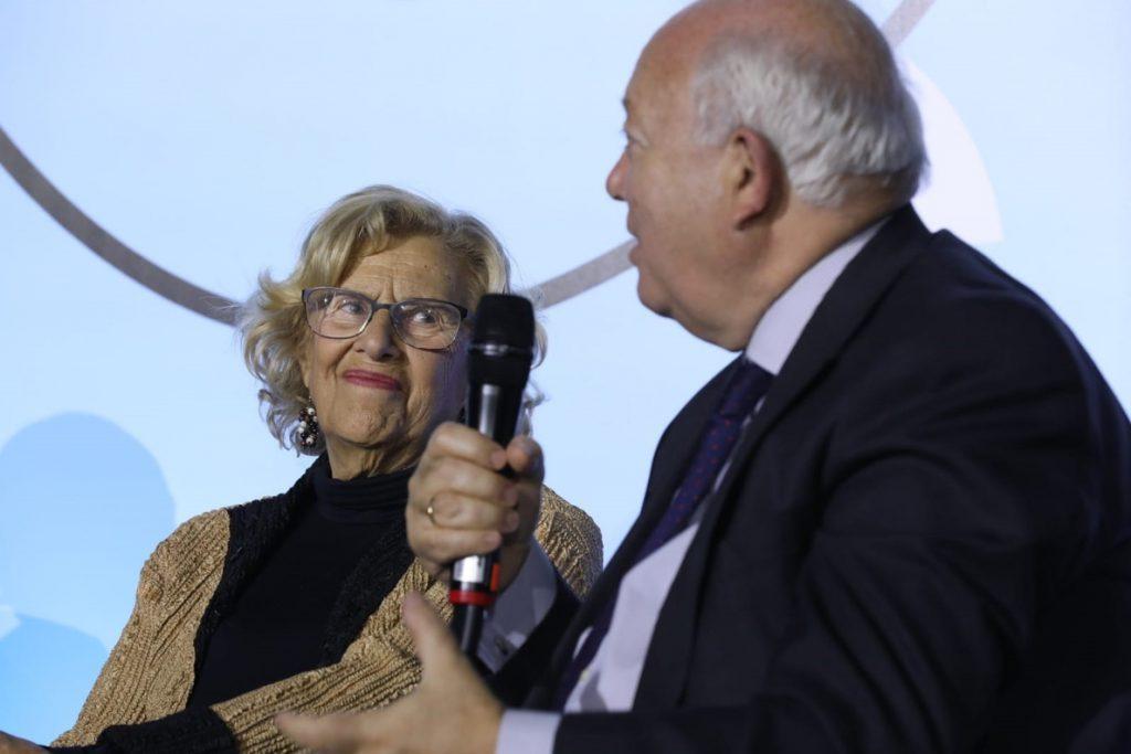 Manuela Carmena permanecerá ingresada hasta el 2 de enero
