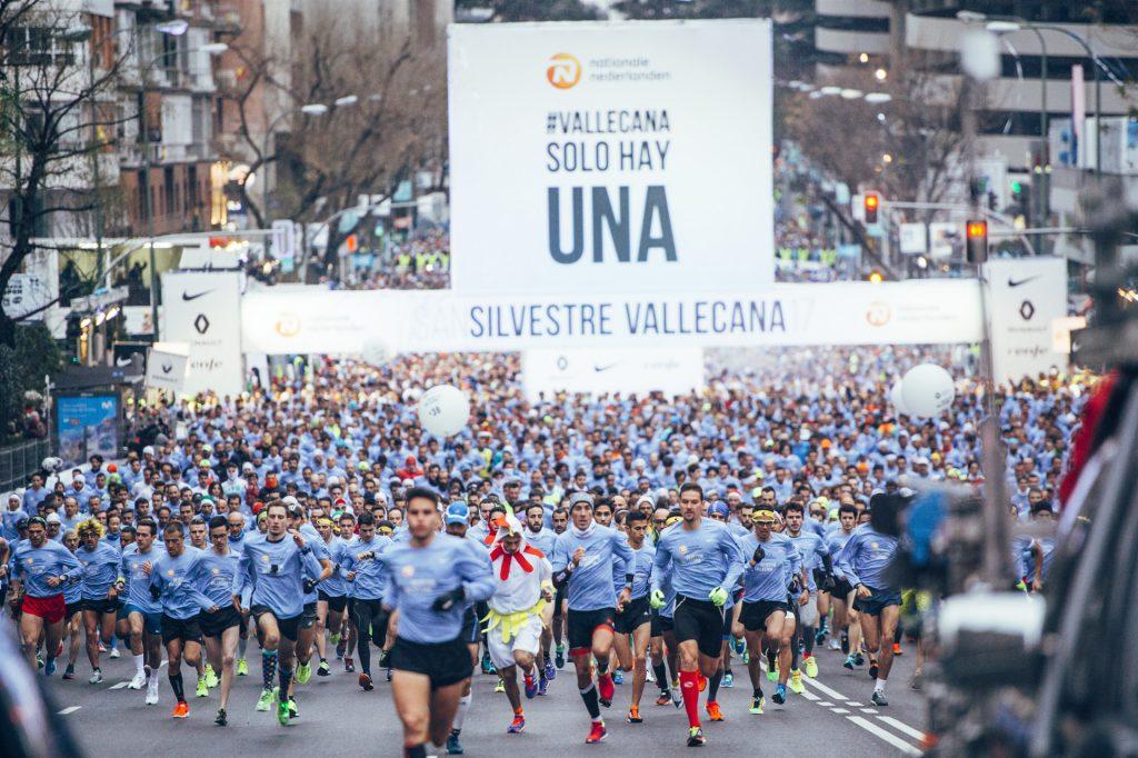 Hasta 42.000 personas despedirán 2018 corriendo la San Silvestre Vallecana, este año con el negro como color