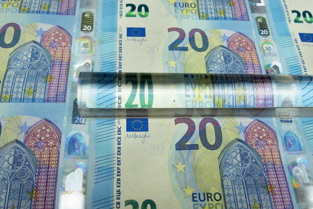 Este 1 de enero entra en vigor la nueva normativa de la UE contra la evasión fiscal de las grandes multinacionales