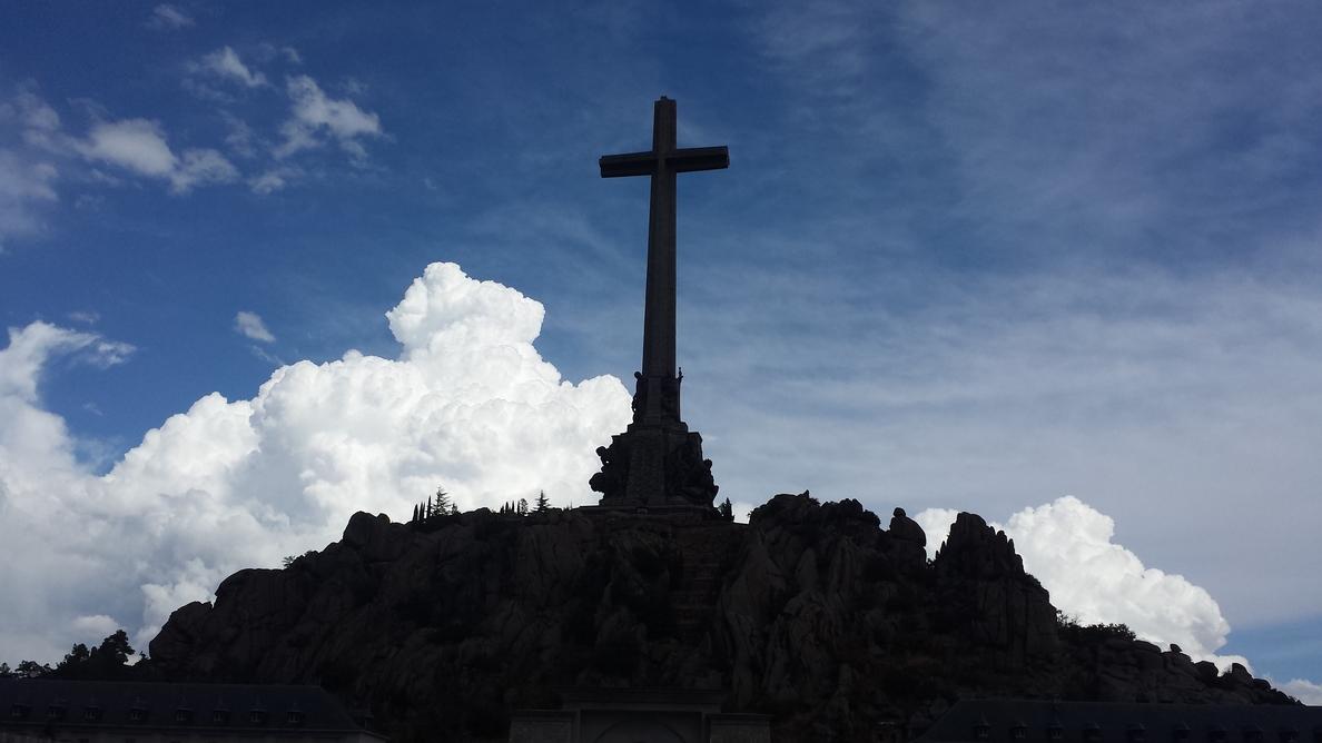 El Gobierno solicita la licencia para iniciar los trabajos de exhumación de las víctimas enterradas en el Valle de los Caídos